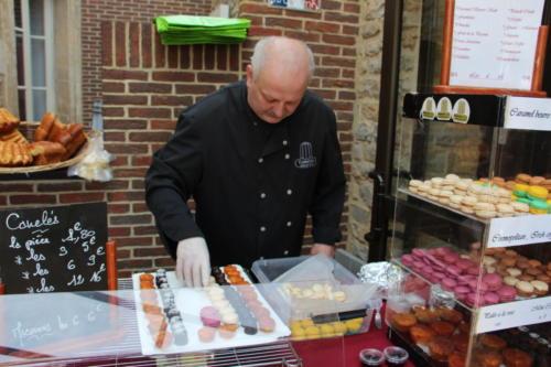 Benoit Lejeune « Canelés Benoist » avec ses fameux canelés, mais aussi macarons, pâtisseries, flans sucrés, salés